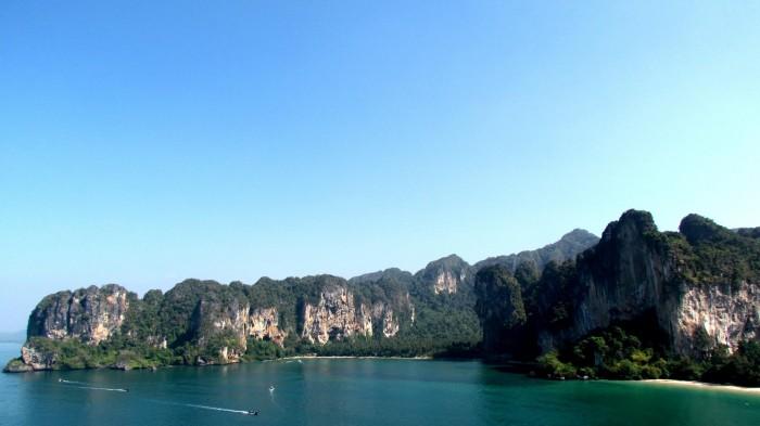 Tonsai Bay